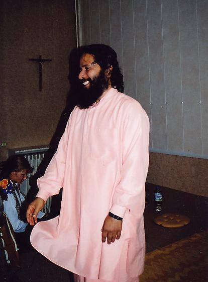 Paramahamsa Prajnanananda au programme de Kriya Yoga d'octobre 2003