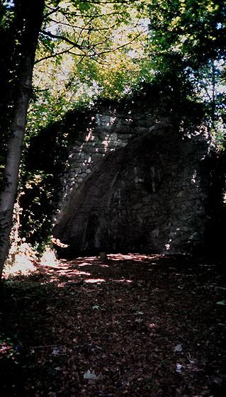 grotte de la vierge à l'ashram Kriya Yoga de Sterksel Hollande
