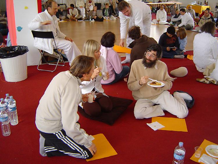 repas lors du Centenaire de Paramahamsa Hariharananda en mars 2007