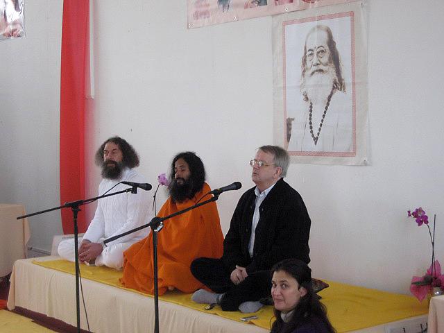 discours lors du Centenaire de Paramahamsa Hariharananda en mars 2007