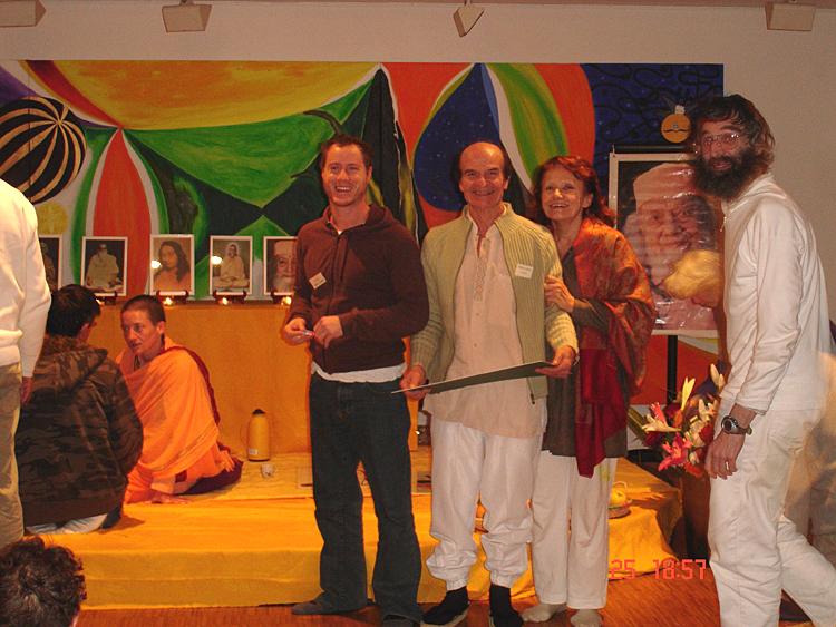 Kriyavans souriant au programme kriya yoga de Paris en janvier 2009