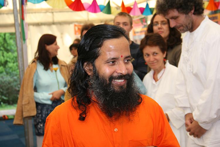 Paramahamsa Prajnanananda souriant