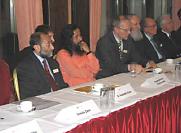 Congrès pour la Paix à Bad Soden, Allemagne, le 5 novembre durant la conférence de presse