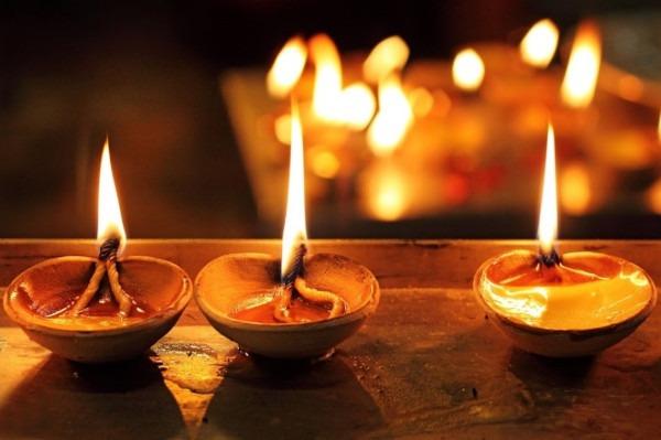 lampes lors de la fete Diwali